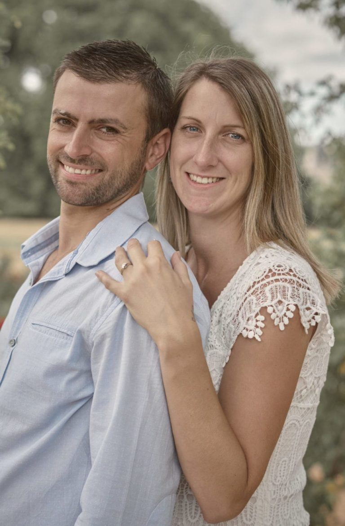Couple tête d'or seance d'engagement