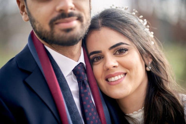 couple mariée souriante