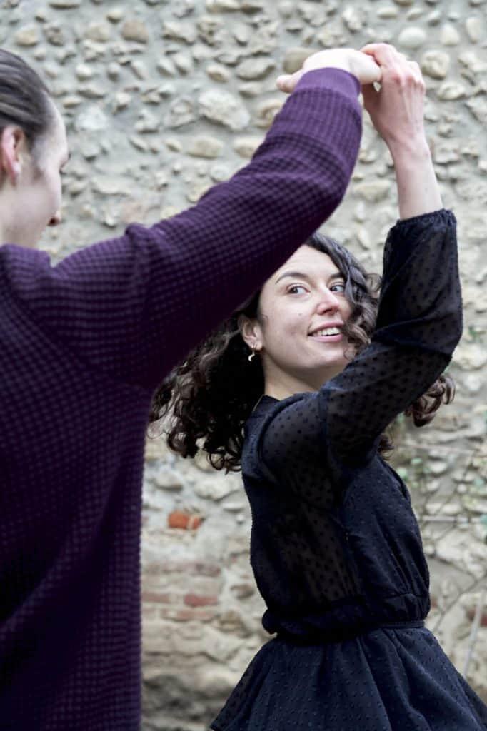 danse à deux couple amoureux