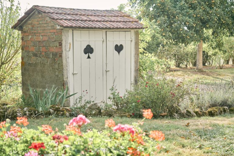 domaine du grand nanteux toilettes jolie porte