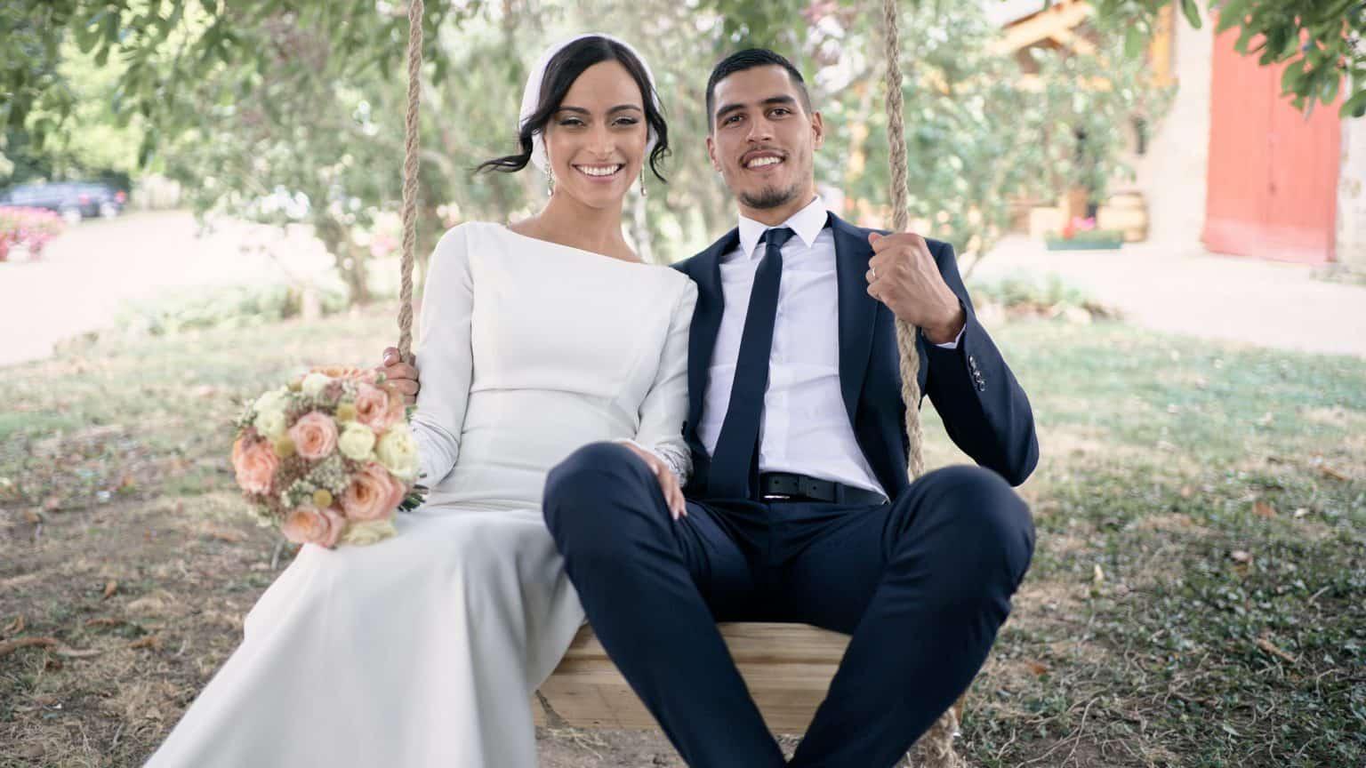 photographe mariage roanne mariés balançoire