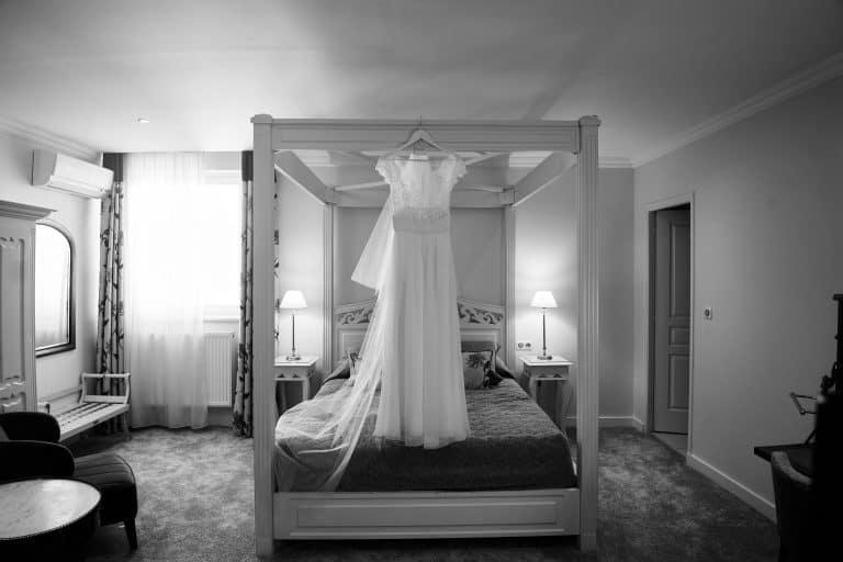 robe lit à balaquin mariage