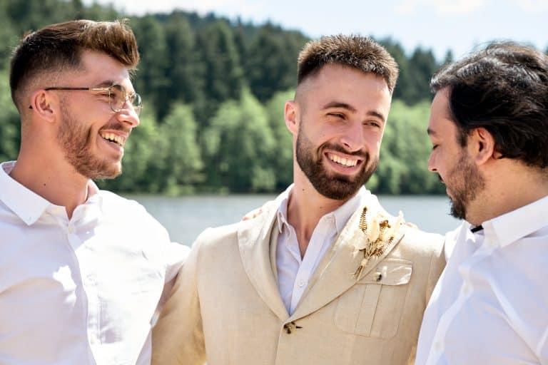 photo de groupe rire mariage plage