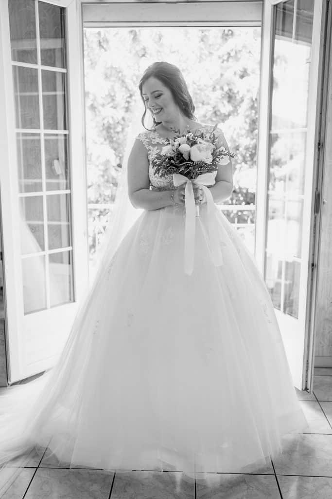 photo robe princesse mariée bouquet