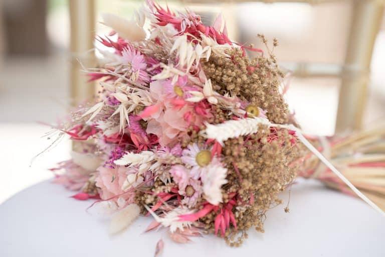 Bouquet mariée photo idée fleurs séchées rose