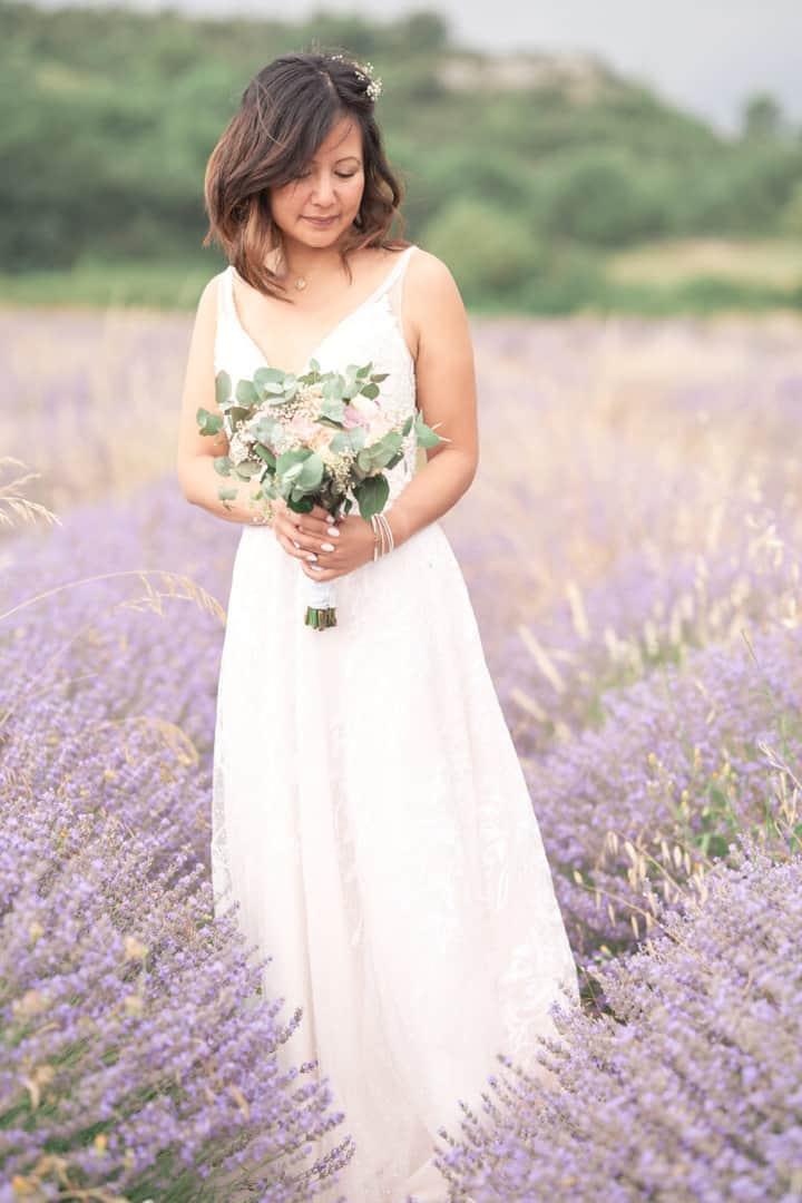 mariée champ de lavandes uzès