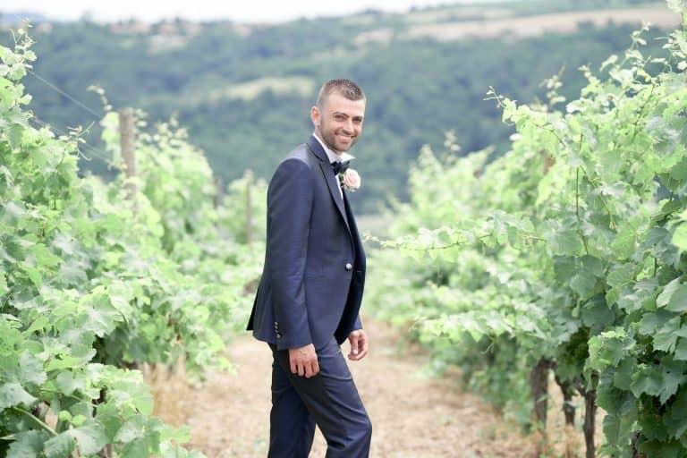 homme portrait vignes costume