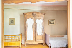 chambre mariage robes armoire charfetain