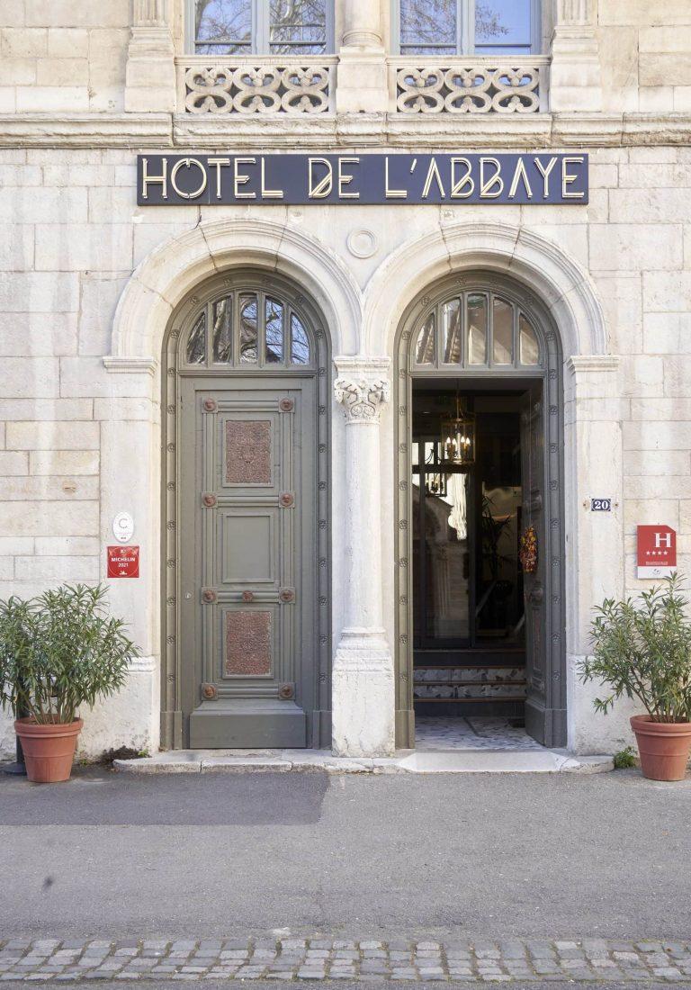 photo devanture hotel abbaye ainay entreprise lyon