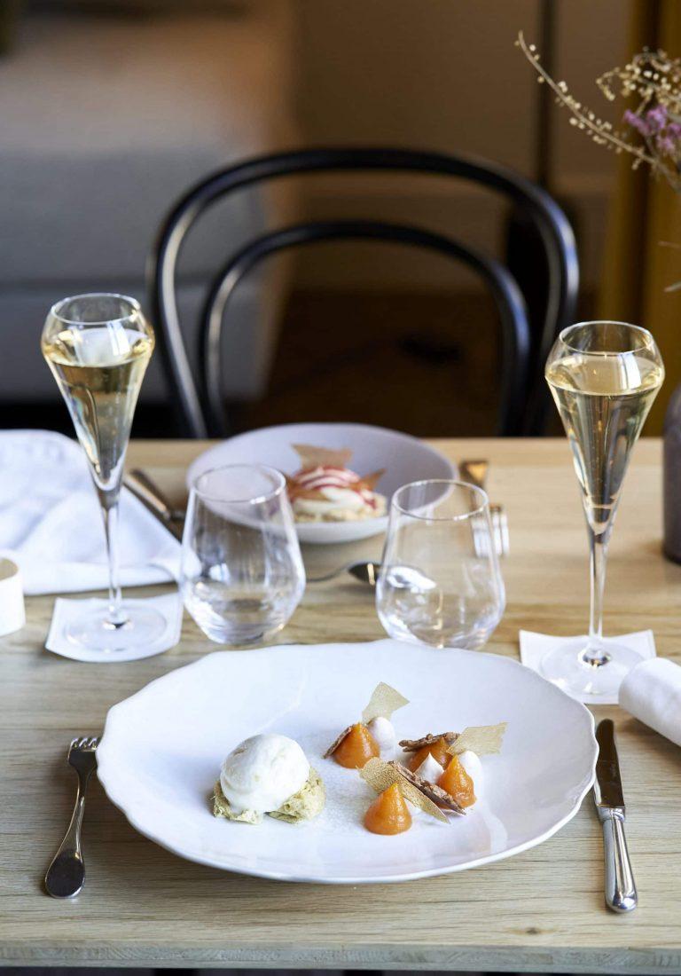 photo table dessert servi deux personnes lyon
